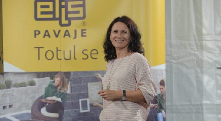 În anul pandemiei, românii au investit cei mai mulți bani în amenajarea curților cu pavele